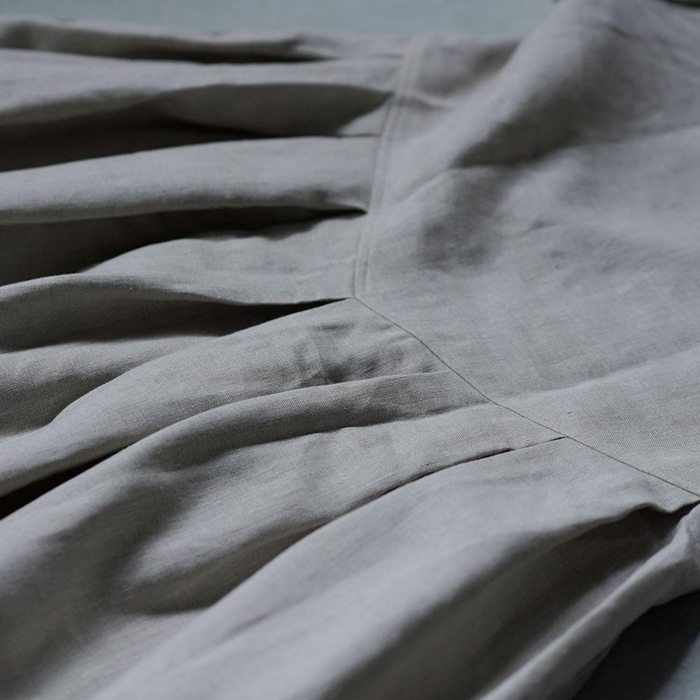 【wafu】 Linen box pleated detailing dress 鍵盤 タック リネンワンピース 中厚 / 亜麻ナチュラル a013f-amn2