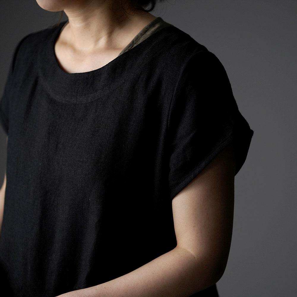 【wafu】 Linen box pleated detailing dress 鍵盤 タック リネンワンピース 中厚 / ブラック a013f-bck2