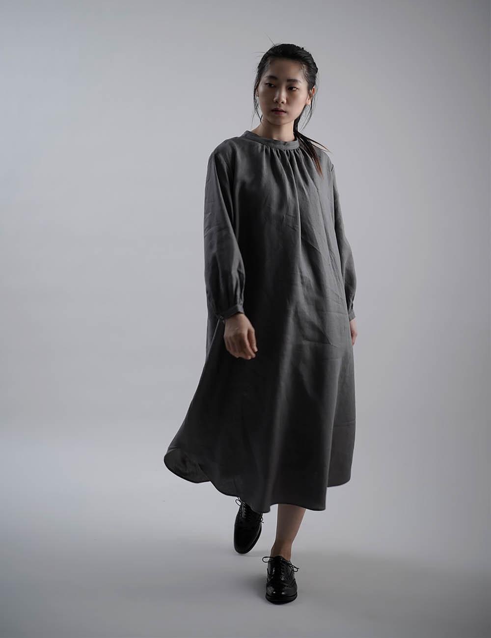 【wafu】Linen Dress  あきすぎないネック のラウンドテールドレス  /鈍色(にびいろ)【free】a034a-nib1