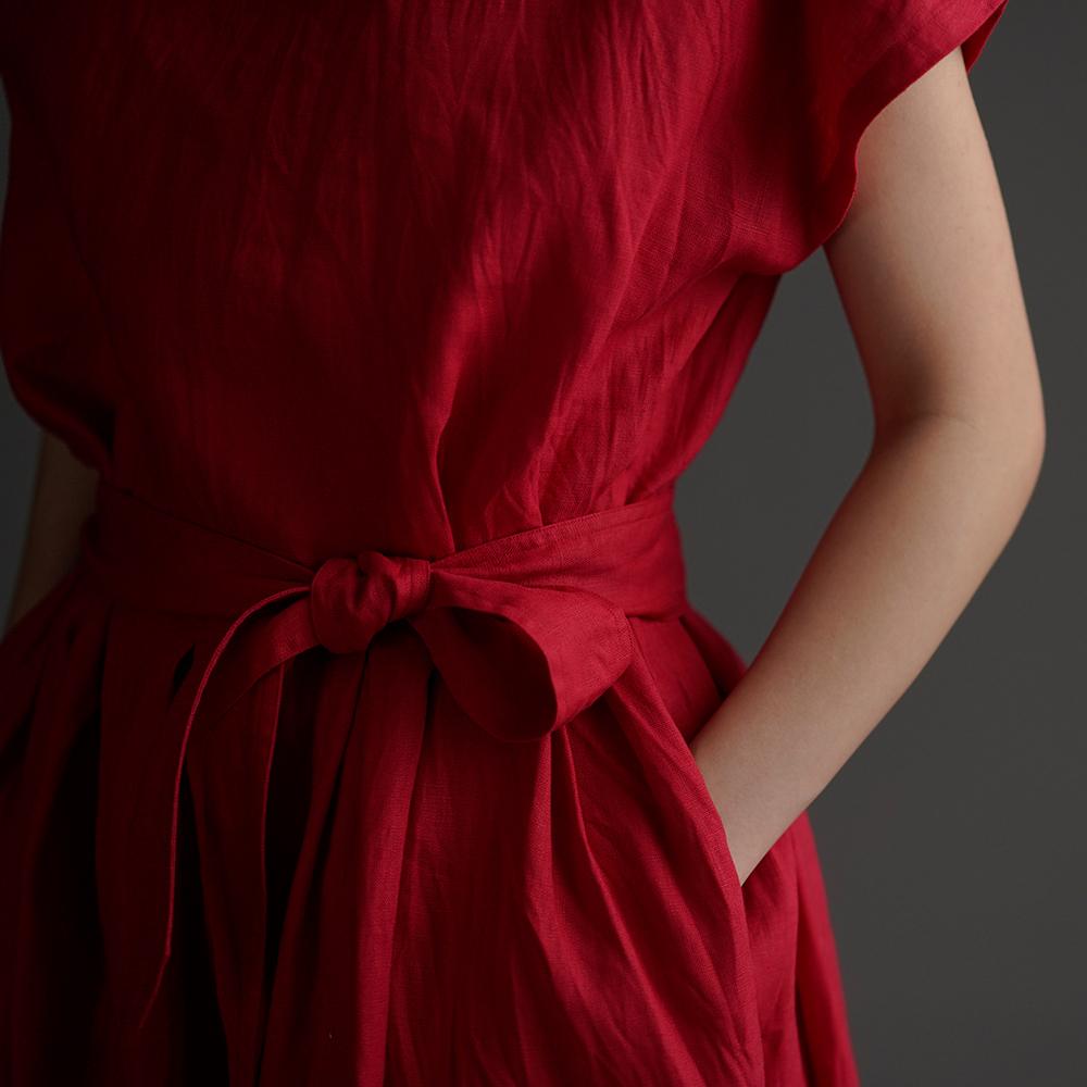 【wafu】Linen Bottle-neck Dress レイズド・ネックラインのワンピース 紐付き ハンドワッシャー /ルージュ a048a-rgu2