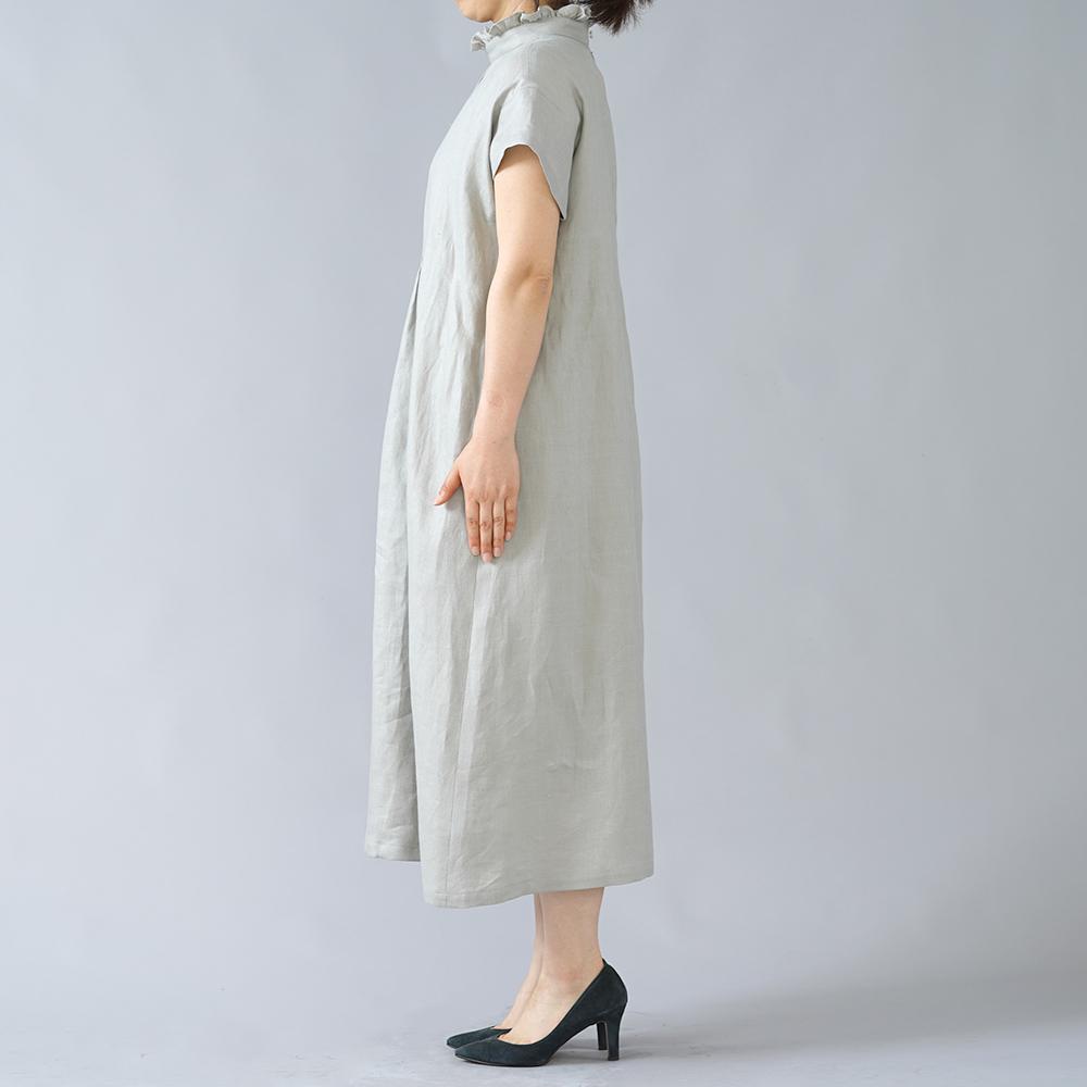 【wafu】フリル襟 スタンドカラー 波々ピンタック リネンワンピース リネン ツイル ベルト付き やや薄地 /フォッグ a088e-fog1
