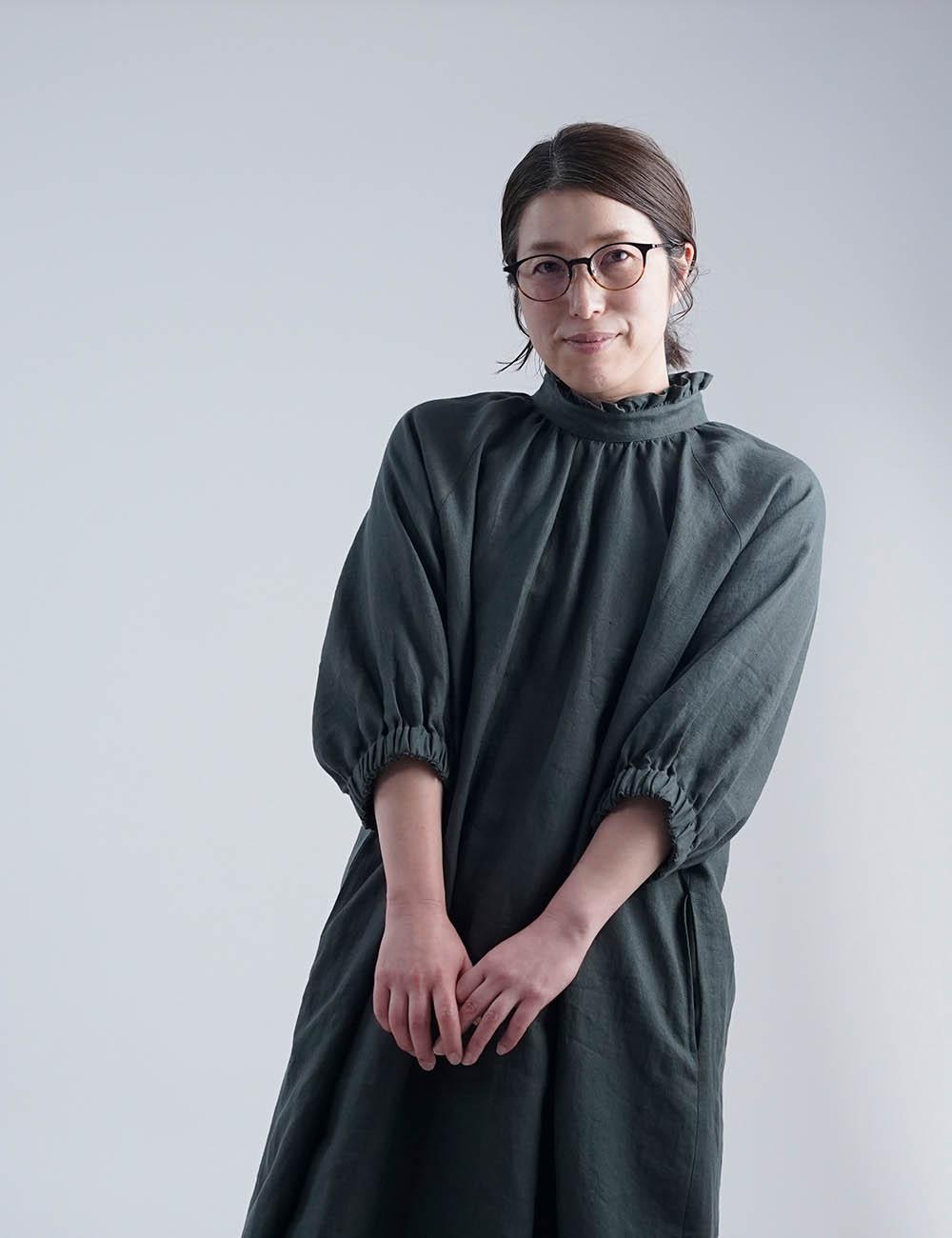 【7月8日21時~販売開始!】wafu premium linen - Ruffle neck Dress フリル ギャザー ワンピース 中厚地 /ヴェールフォンセ a088f-vfs2