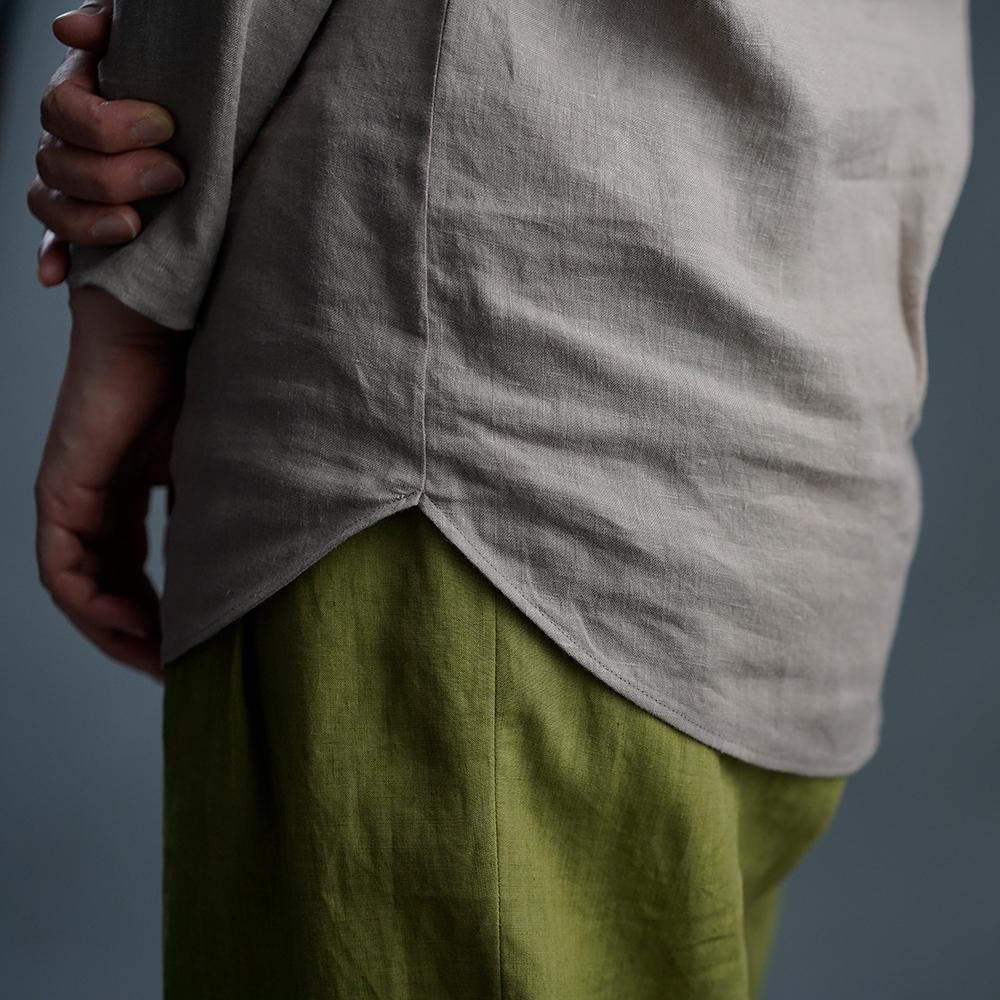 【wafu】雅亜麻リネン インナー ブラウス ラウンドカット  黄金比率のネック角度/ 榛色(はしばみいろ)p008a-hbm1