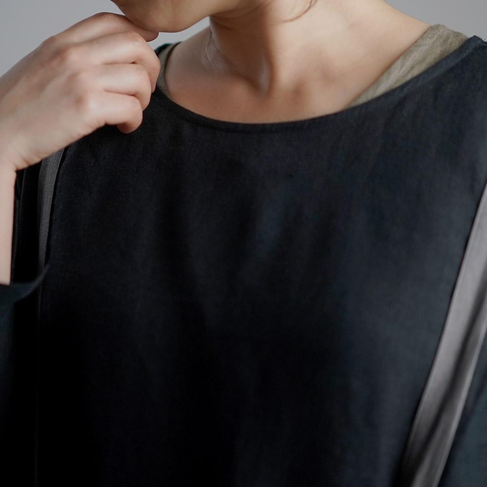 雅亜麻 Linen Top インナー ブラウス 黄金比率のネック角度/黒色(くろいろ)p012a-bck1