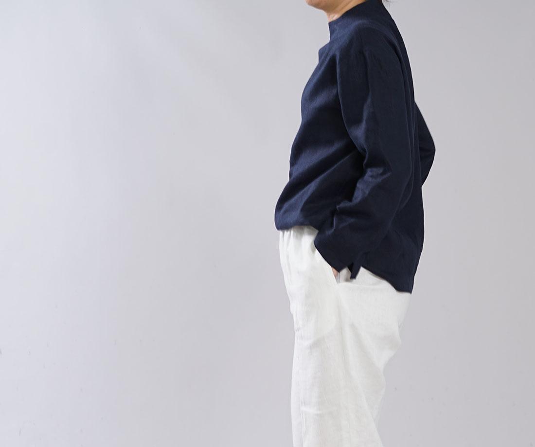 【wafu】中厚 リネン ブラウス レイズド・ネックライン ドロップショルダー 袖口スリット リネントップス / ネイビー【M-L】t004c-neb2