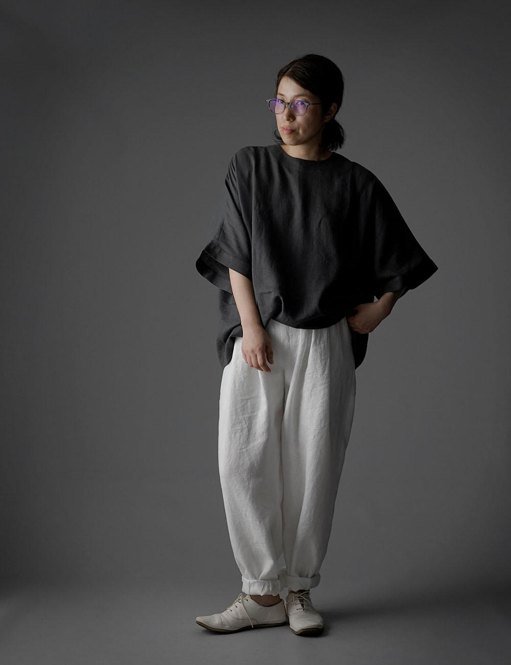 【wafu】薄地 リトアニアリネン ドロップショルダー リネンブラウス 襟ぐり小さめ ゆったり チュニック トップス Tシャツ / インクブラック t016g-ibk1