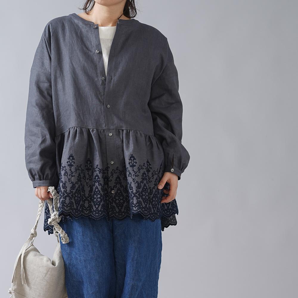 【wafu オリジナル】リネン スカラップレース ブラウス リネンシャツ 刺繍  中厚リネン/ディムグレー×ネイビー t051a-dmg2
