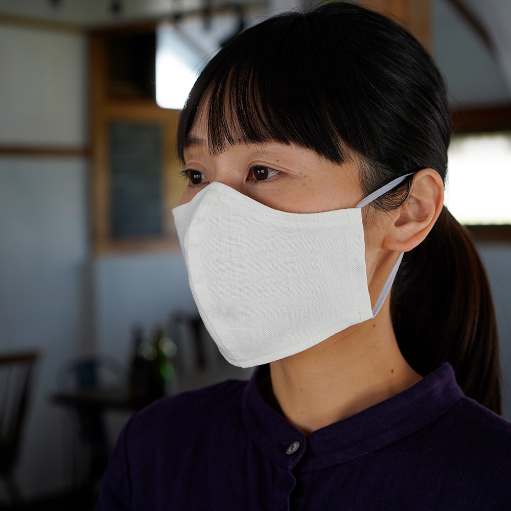 リネン 2重仕様  立体マスク 柔らかいWガーゼリネン100% 抗菌 防臭 速乾 ゴム調整可能 丸洗いOK 予備紐付き/ホワイトz021c-wht2