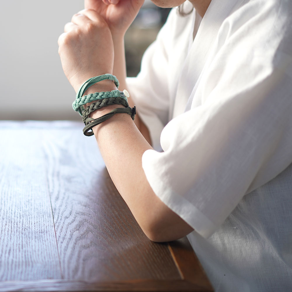 【wafu】三編み ブレスレット 男女兼用 リネン100% アクセサリー/11色展開 z025a